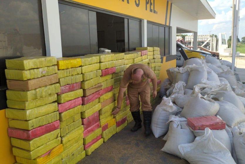 Polícia Rodoviária apreende 4,7 toneladas de maconha em carga de sementes