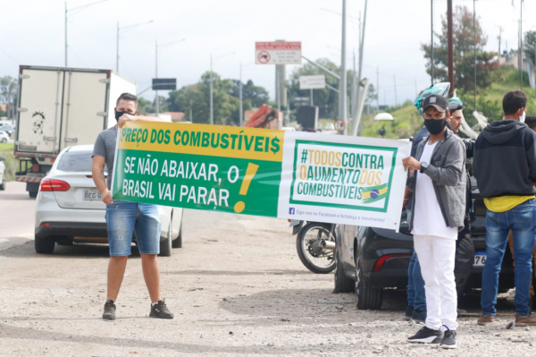 Manifestações contra alta dos combustíveis se intensificam no PR