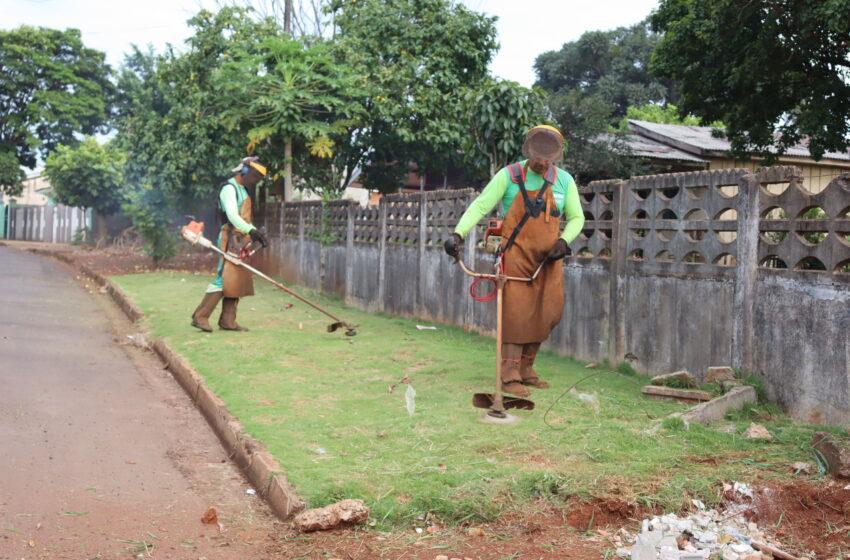 Prefeitura leva programa Ivaiporã: cidade limpa ao Jardim Guanabara II
