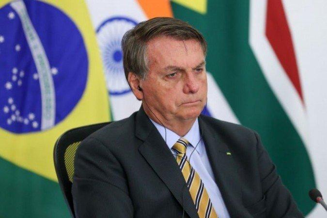 Bolsonaro ataca 'lockdowns' dos Estados e diz ver 'problemas sérios' pela frente