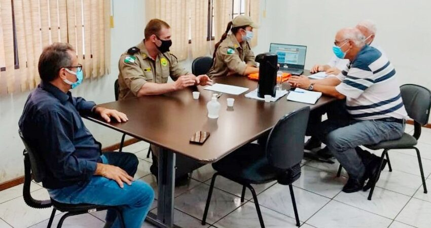 Defesa Civil se reúne com Prefeito e atualiza informações em Rio Bom