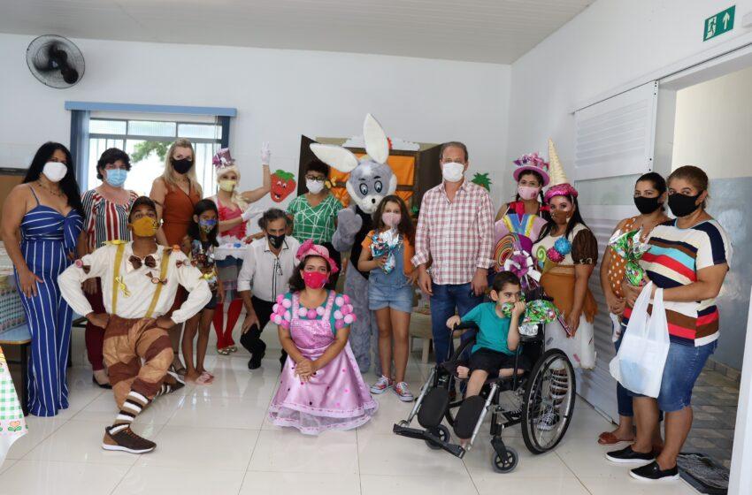 Prefeitura de Ivaiporã realiza Páscoa Solidária e entrega ovos aos alunos da rede municipal de ensino
