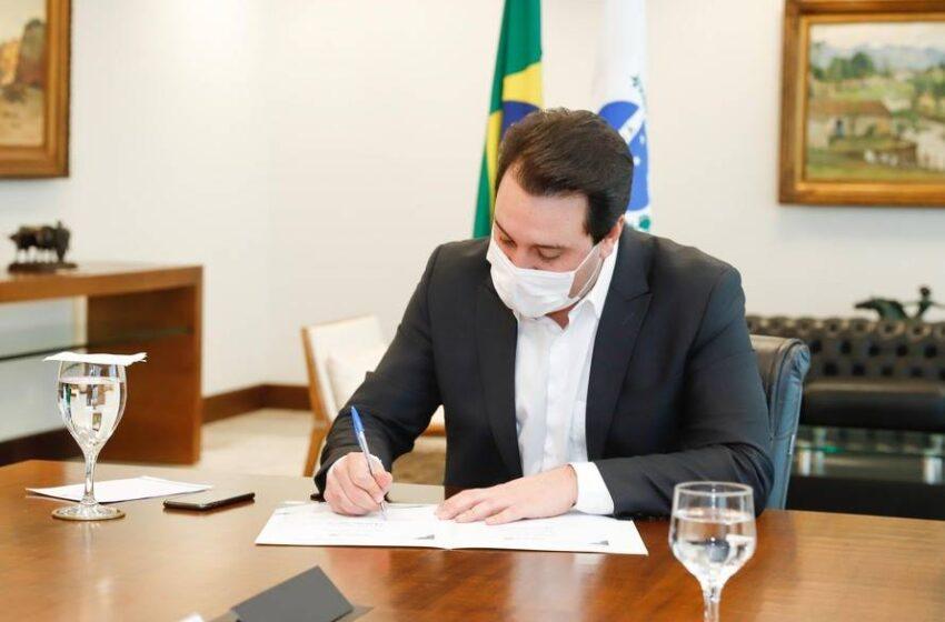 Ratinho Junior decreta luto oficial de três dias em respeito aos 15 mil mortos pela Covid-19