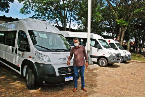 Prefeitura de Faxinal recebe três novos veículos