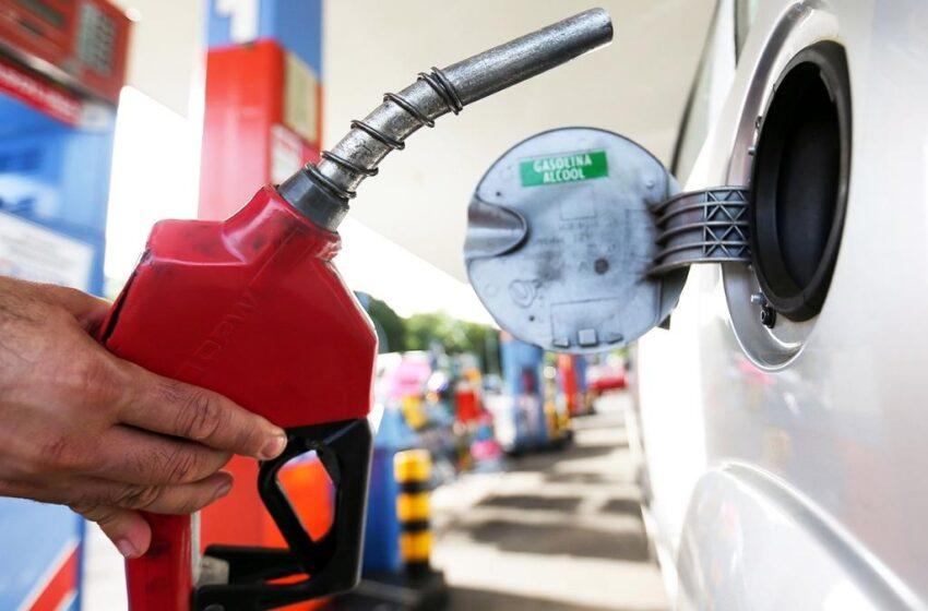 Gasolina chega a R$ 5,89 em Maringá e atinge maior preço da história