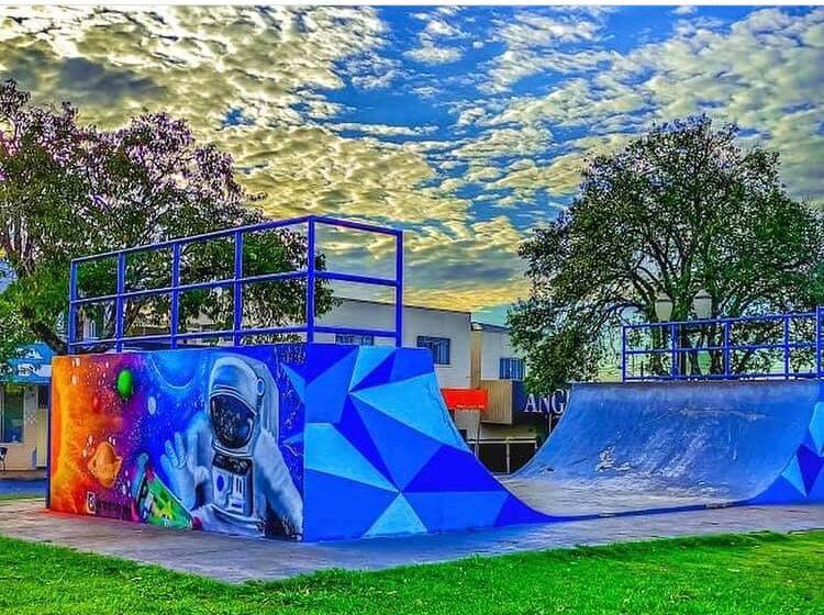 Trabalho de grafite é destaque na praça de Faxinal