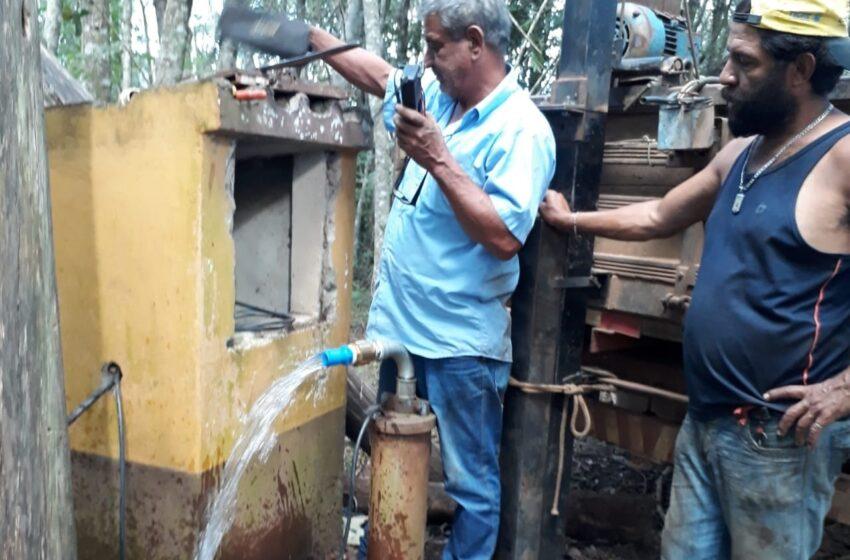 Após anos de abandono, prefeitura reativa poço artesiano em assentamento de Rio Branco do Ivaí
