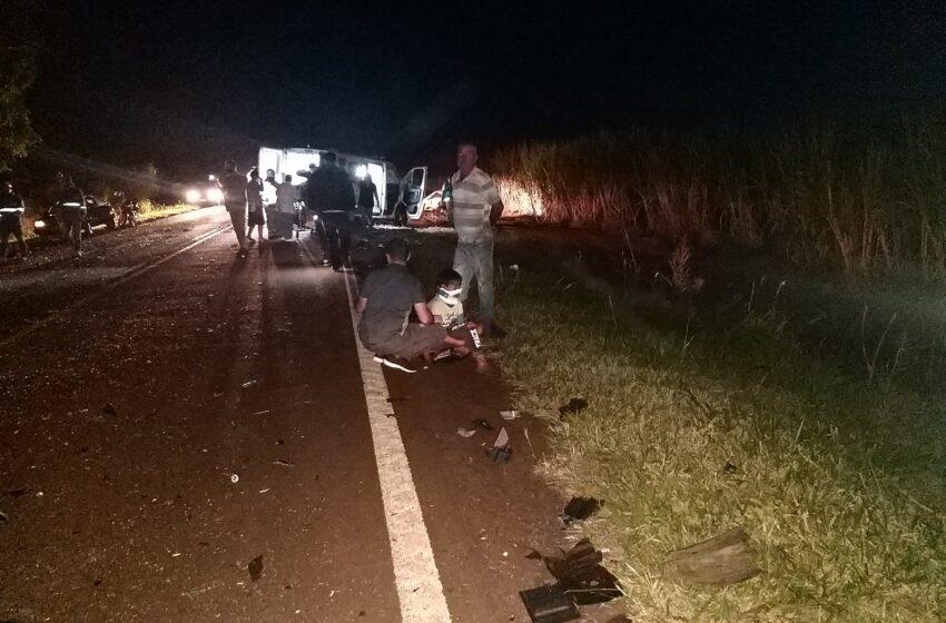 Acidente com morte envolvendo dois carros e caminhão próximo a Bom Sucesso