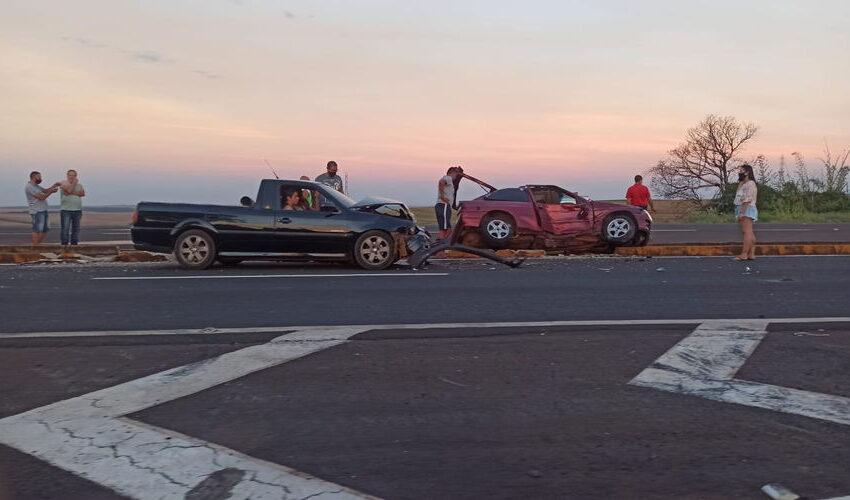 Colisão entre dois veículos deixa 3 feridos na BR 369
