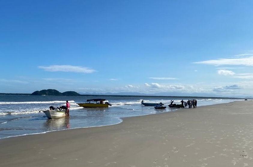 Criança de 6 anos salva três pessoas no litoral do Paraná
