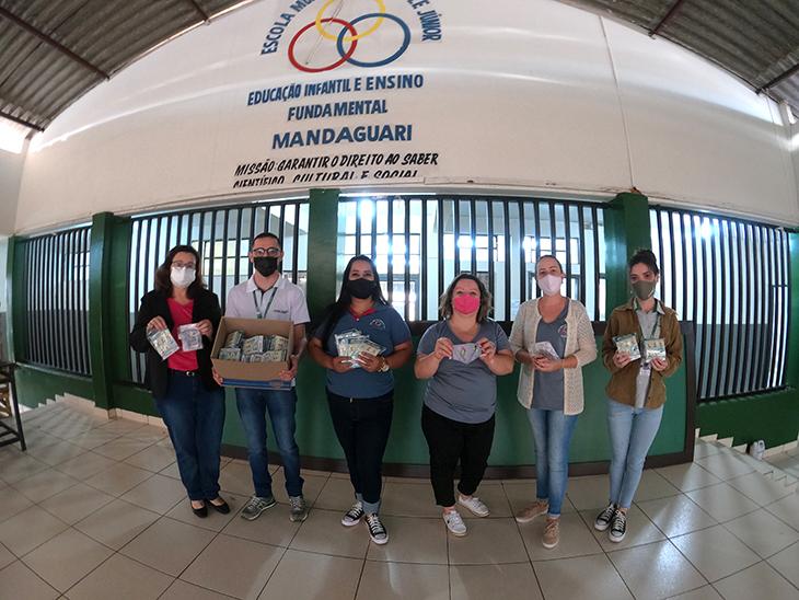 Cocari entrega 850 kits de máscaras aos alunos participantes do Cooperjovem