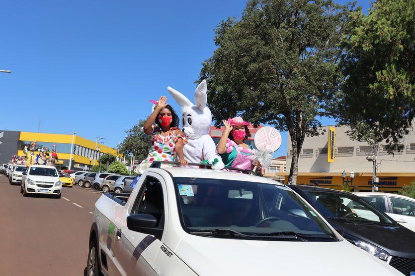 Prefeitura de Ivaiporã faz carreata para celebrar a Páscoa