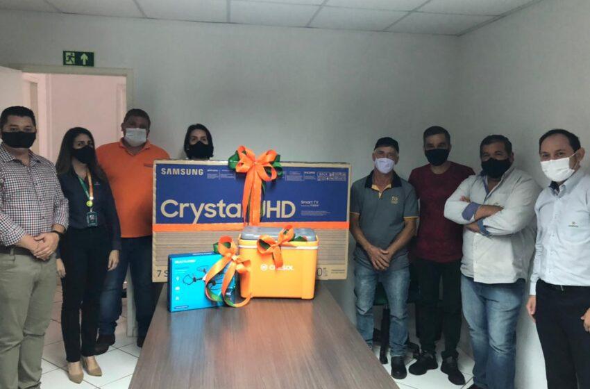 Cooperativa Cresol realiza sorteio de prêmios para associados