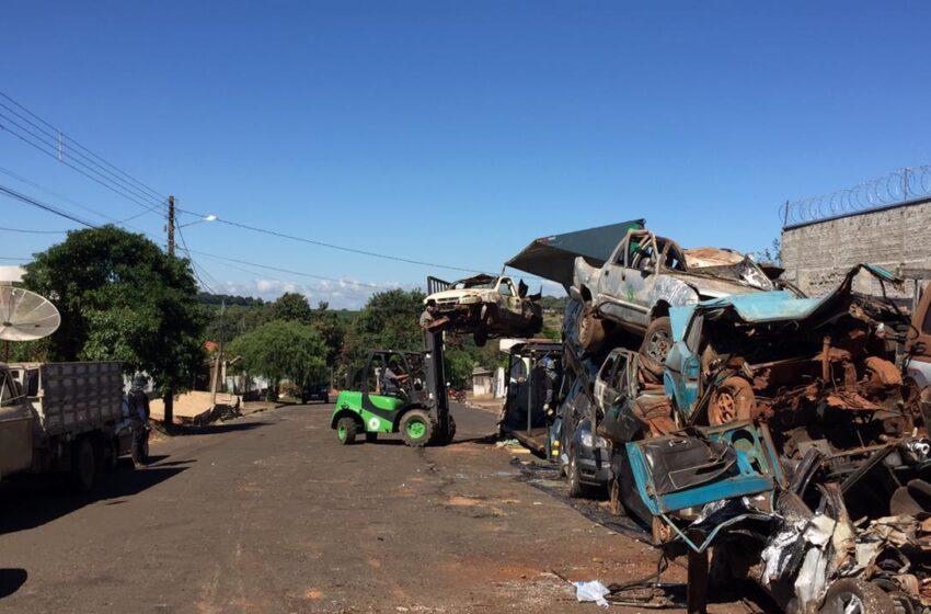 Veículos apreendidos foram retirados da Delegacia de Faxinal