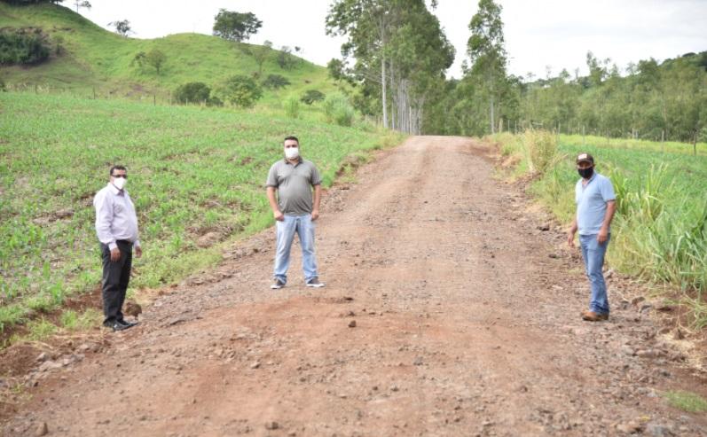 Godoy Moreira revitaliza a estrada do Madalena