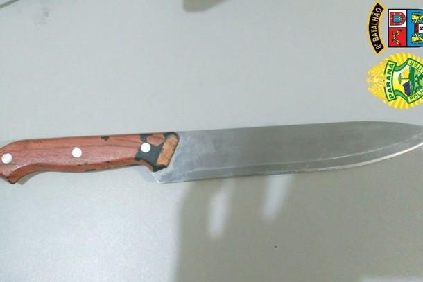Homem é preso acusado de tentar matar vizinha com faca