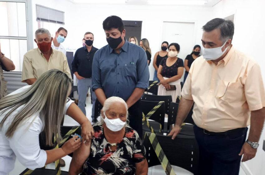No Norte do Paraná, secretário reforça importância da vacinação e da atenção primária em saúde