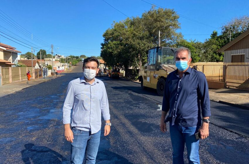 Prefeitura realiza obras de recapagem asfáltica em ruas do município