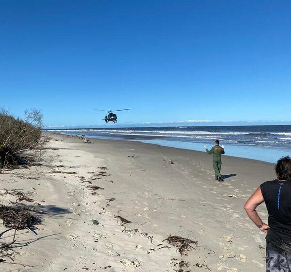 Criança de seis anos salva três pessoas após acidente de barco no litoral do Paraná