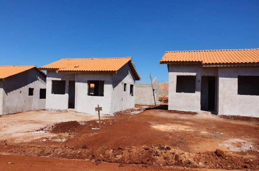 Construção de casas para famílias em vulnerabilidade avança em Marumbi e Lunardelli