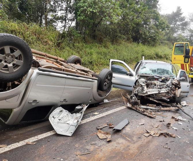 Ortigueira: Acidente entre dois carros deixa cinco feridos