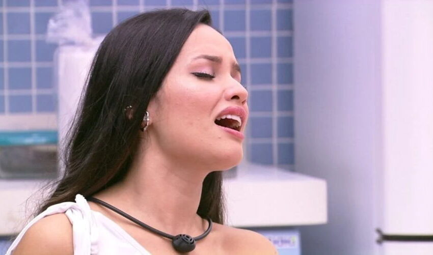 Juliette diz que vai gravar a música 'Deus me Proteja'