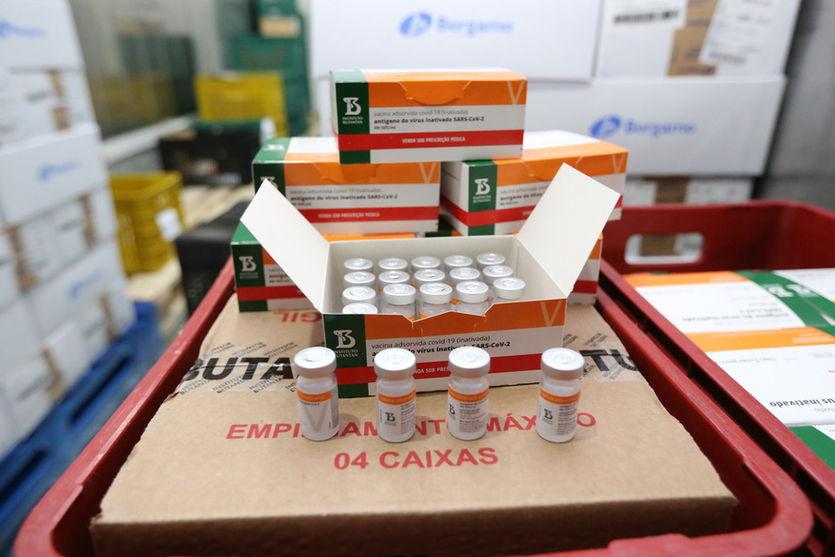 Paraná inicia logística para distribuição de doses de vacina