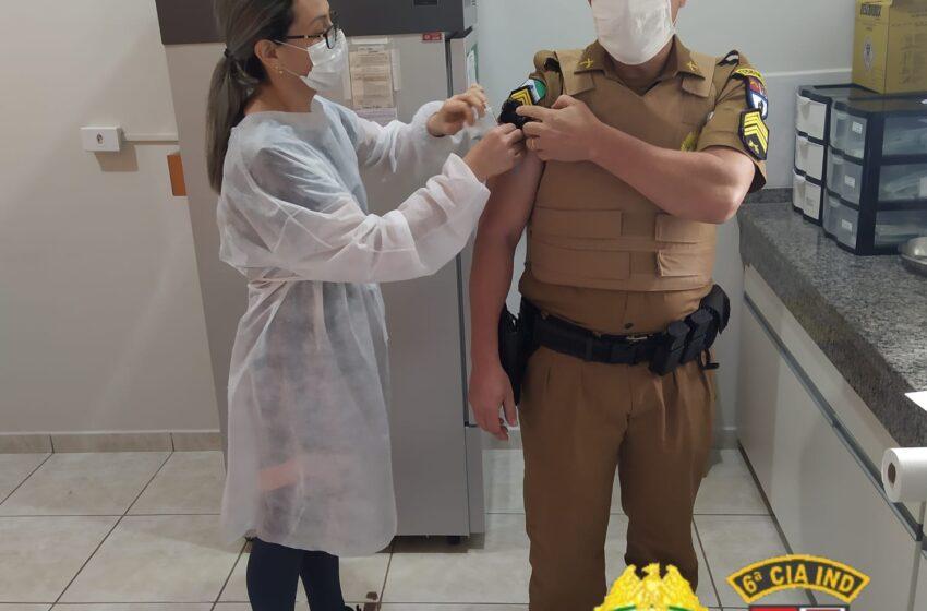 Vacinação contra a COVID-19 de militares da 6ª CIPM em Ivaiporã