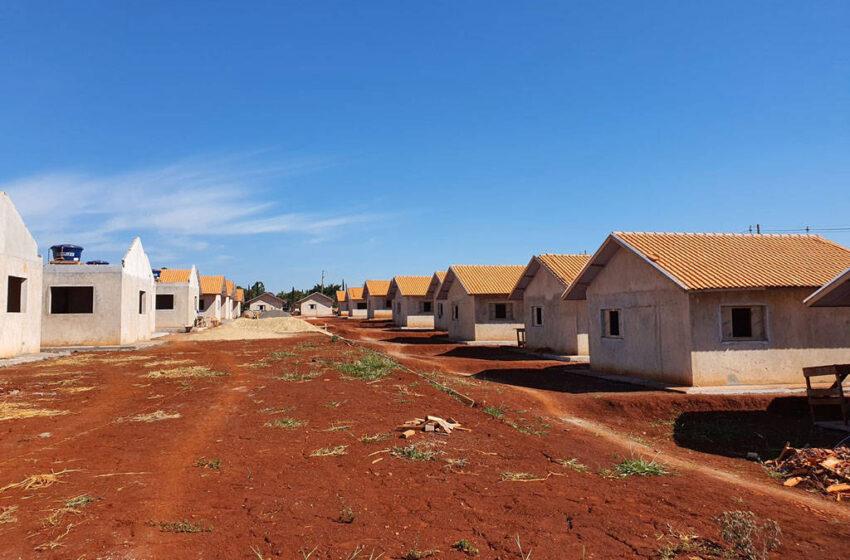 Em Jardim Alegre a construção de 41 casas populares chega a 65% de execução