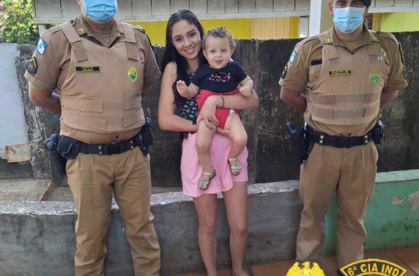 Policiais militares visitam família de criança engasgada salva pela equipe em Ivaiporã