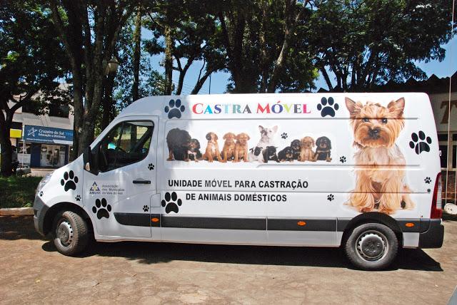 Castramóvel inicia trabalho de castração de animais em Lunardelli