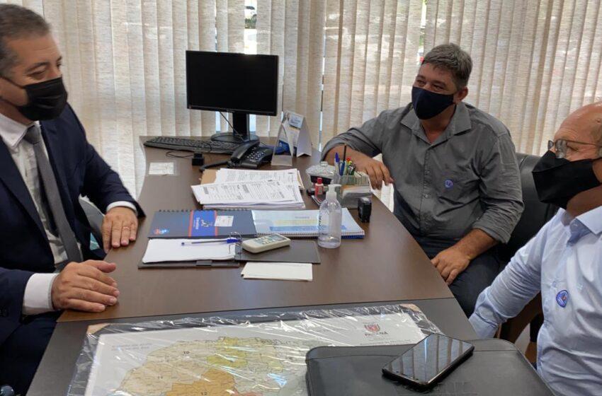 CRUZMALTINA – Prefeito e Deputado Cobra Repórter conversam sobre recursos do Estado para o município