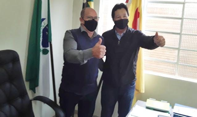 Prefeito de Cruzmaltina recebe Deputado Federal Luiz Nishimori