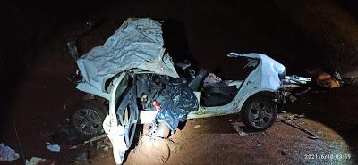 Duas pessoas morrem em grave acidente envolvendo carro e ônibus na BR-369