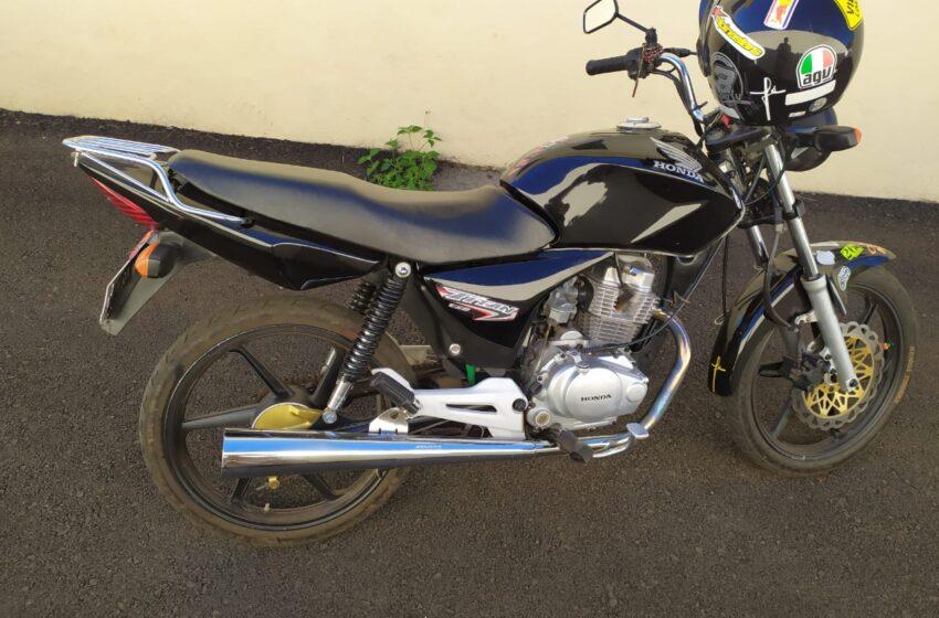 Jovem empinando a moto foi flagrado e apreendido em Kaloré