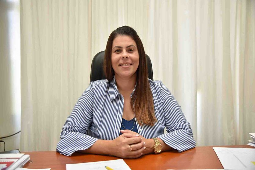 Prefeita Carla assina parceria com o CINDEPAR e garante 19 mil metros de micro revestimento asfáltico em São João