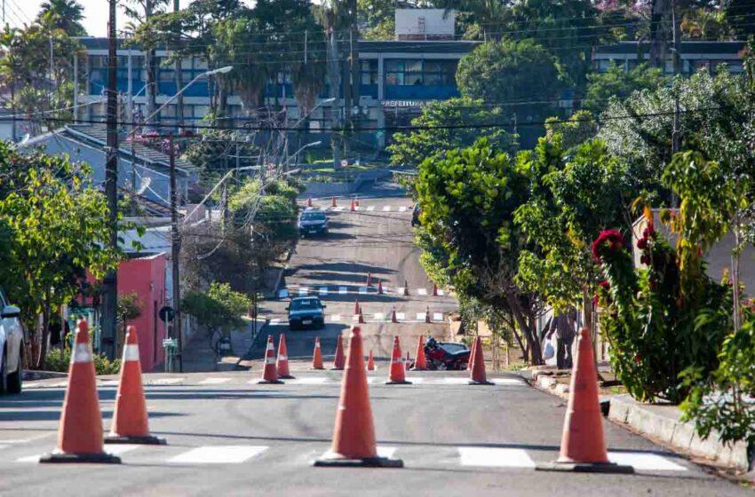 Prefeitura de Jardim Alegre revitaliza pintura da sinalização das ruas