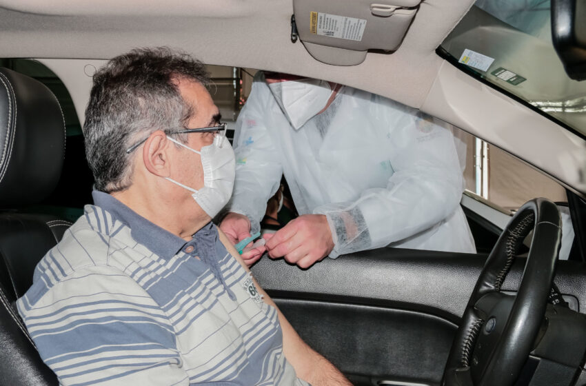 Apucarana vacina pessoas de 54 anos nesta segunda-feira