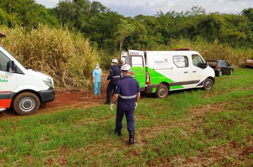 Carreta de trator tomba e deixa 7 pessoas feridas em São Pedro do Ivaí