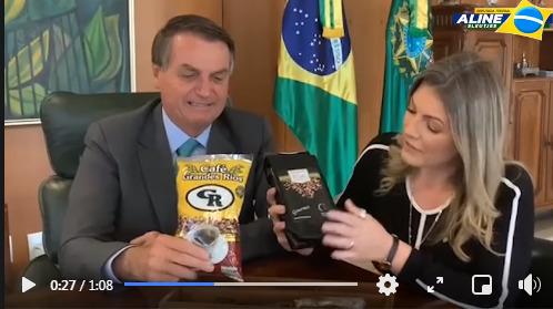 "Presidente Bolsonaro recebe presente ""Café Grandes Rios"" do prefeito ""Toninho do Café"""