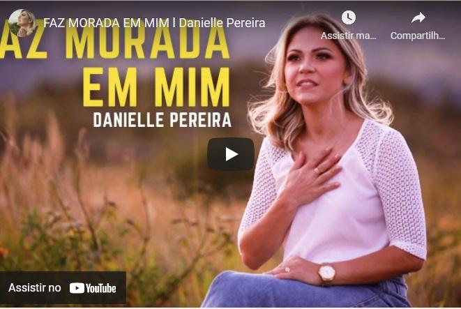 """Danielle, de Jardim Alegre, interpreta """"Faz Morada em Mim"""""""