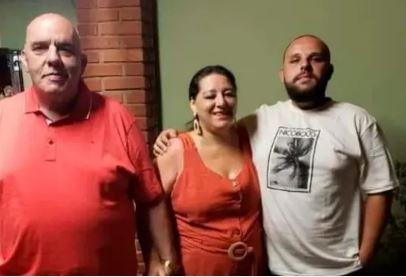 """""""A família acabou"""": Pai, mãe e filho morrem de covid em 1 mês"""