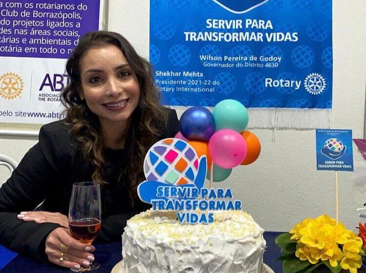 Rotary Club de Borrazópolis empossa Karine Arante como nova presidente