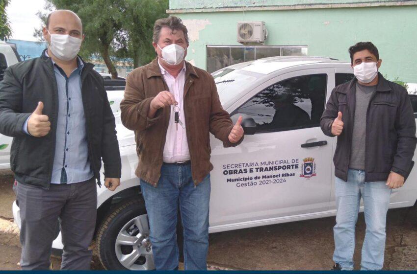 MANOEL RIBAS – Prefeito entrega veículos para Secretarias de Gestão Ambiental e de Obras e Transportes