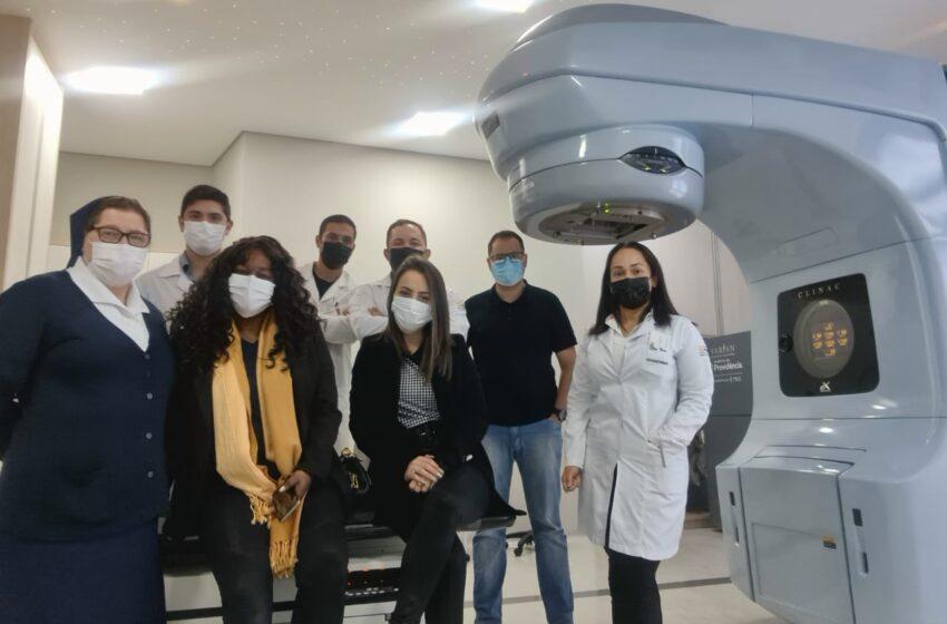 Servidoras da saúde de Ivaiporã conhecem Centro de Radioterapia de Apucarana