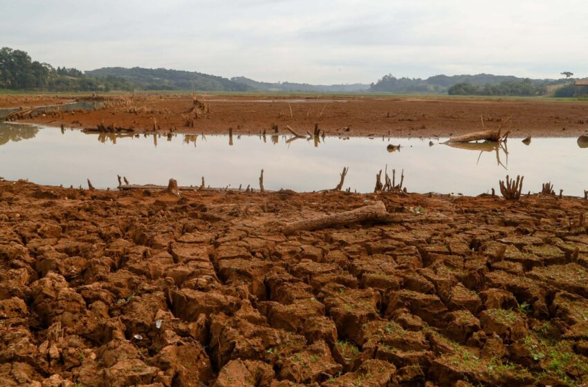 Crise hídrica na bacia do rio Paraná segue pelo menos até novembro, segundo Agência Nacional de Águas.
