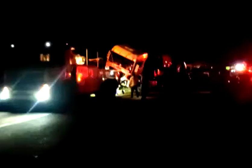 Grave acidente envolve três carretas na BR-376, em Marilândia do Sul