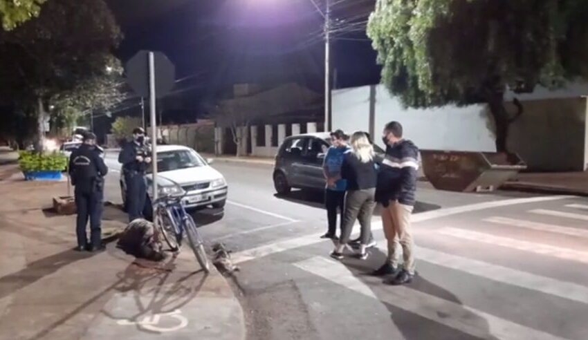 Homem é flagrado enforcando cachorrinha em Arapongas