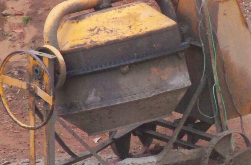 Pedreiro registra o furto de motor de betoneira