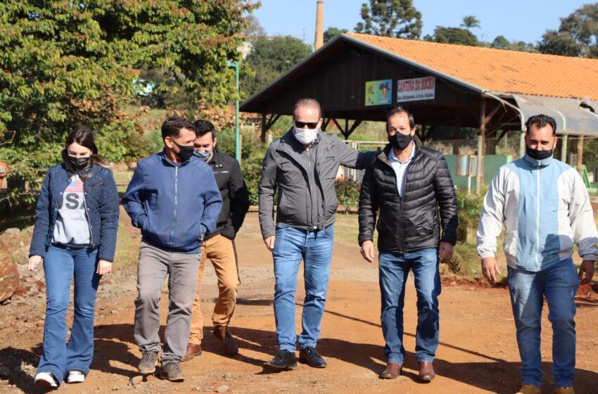 Prefeito Carlos Gil visita obras no Parque Ambiental Jardim Botânico e informa que será interditado